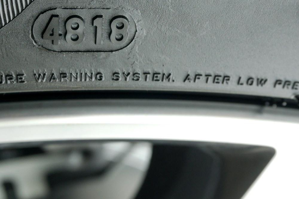 Autobandencheck hoe oud is mijn band de dot-code