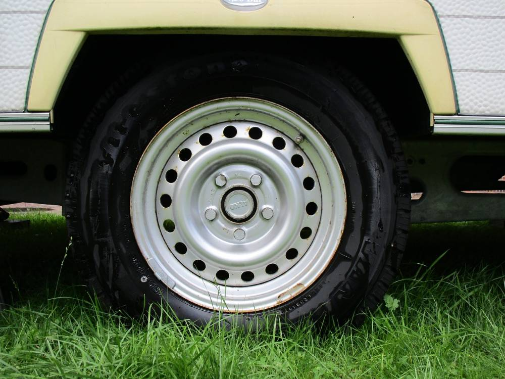 Autobandencheck.nl wanneer caravanbanden vervangen