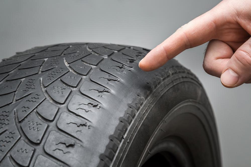 autobandencheck 3 signalen dat je nieuwe banden nodig hebt