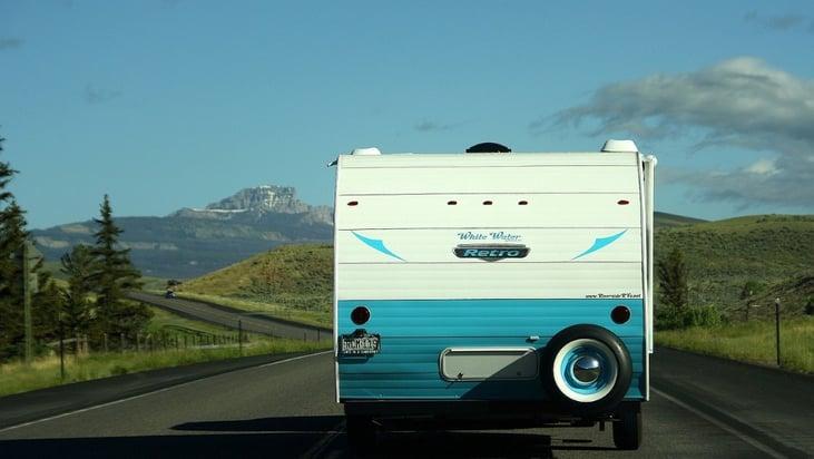 autobandencheck op vakantie met caravan check je caravanbanden
