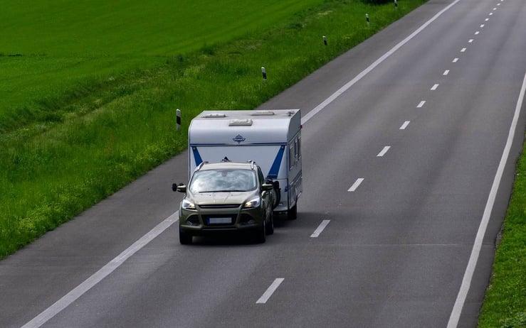 autobandencheck-caravan-uit-stalling