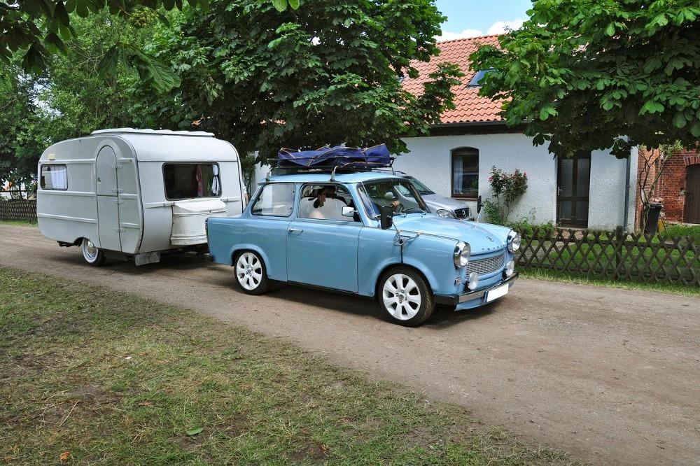 Waar moet je op letten als je de caravan uit de stalling haalt?